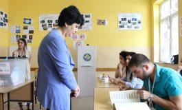 KOSOVE, ZGJEDHJET/ Nis numërimi votave. Ja ku do ketë balotazhe. BE: Pjesëmarrje e ulët