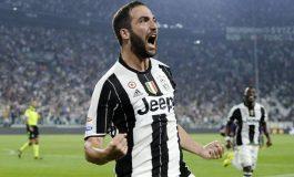 Juventus 'i falet' Higuainit, Milan 'zhytet' në krizë rezultatesh