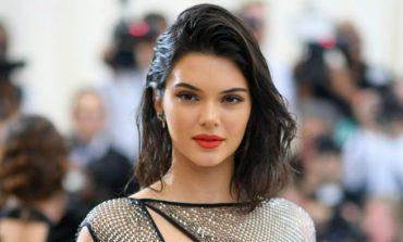 Buzë të kuqe si Kendall Jenner (Foto)