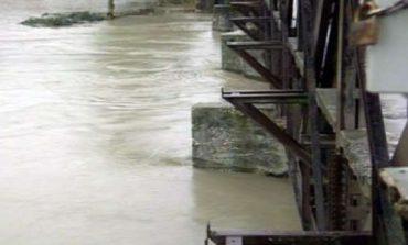 PARASHIKIMI/ Nesër pritet të dalë nga shtrati lumi i Vjosës, ALARM për përmbytje në Jug të vendit