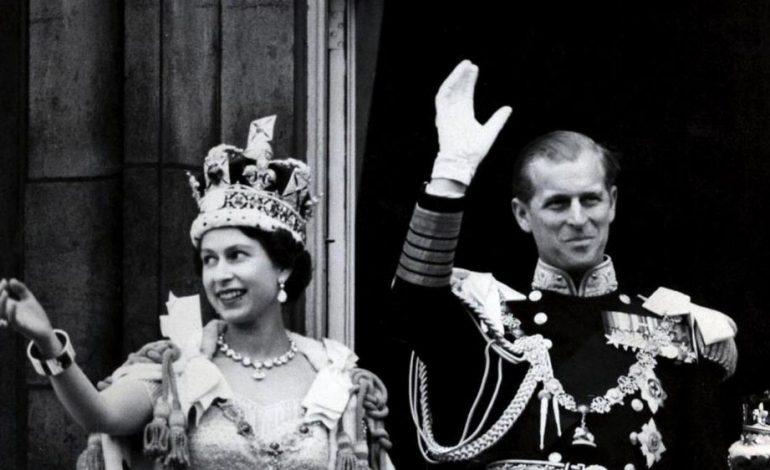Mbretëresha Elisabetta dhe bashkëshorti Filippo festojnë 70 vjetorin e martesës