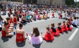 """""""APOLITICAL"""": Tirana, nga sundimi komunist, në një qytet për fëmijët"""