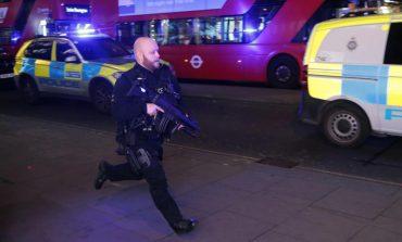 Angli/ Kaos në metro, dyshohet për sulm terrorist (VIDEO)