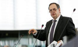 """Akuzat e opozitës ndaj Vlahutin dhe çështjen """"Tahiri""""/ Fleckenstein jep përgjigjen finale"""