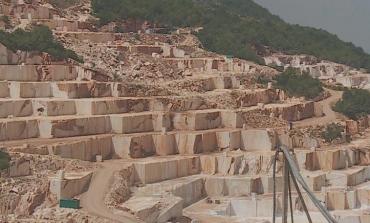 SKANDAL- Kompani indiane, arabe dhe greke shfrytzojnë mermerin e Tomorrit