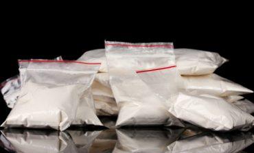 Shisnin kokainë në qendër të qytetit, pranga dy shqiptarëve në Itali