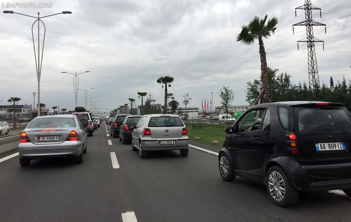 LAJMI I FUNDIT/ TRE aksidente makinash në autostradë. Bllokohet kalimi i automjeteve