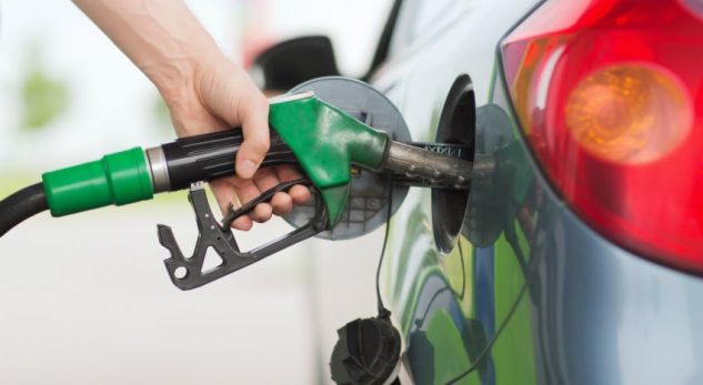 Nafta kthehet në nivelet e para dy vjetëve, 60.85 dollarë/fuçia