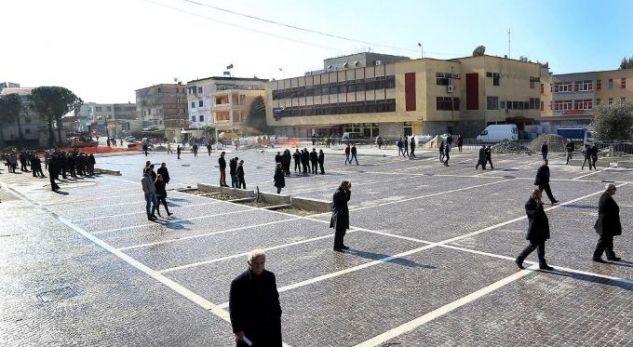 MBLEDHJA E QEVERISË/ Banorët e Lezhës në protestë, shkak është rruga e…