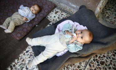 FOTO/ Fakte të tmerrshme nga Siria, njerëzit po hanë plehra për të jetuar