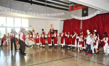 Themelohet ansambli i parë shqiptar i këngëve dhe valleve në Maqedoni