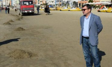 Ambasada Amerikane i anulon vizën Vangjush Dakos, ja arsyeja