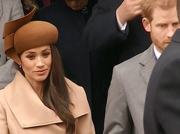 VIDEO/ Shikoni momentin kur Meghan Markel perulet para Mbretëreshës, nervoze?
