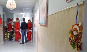 """""""Skifterët"""" në Itali grabisin të gjitha dhuratat për fëmijët e sëmurë në spital"""