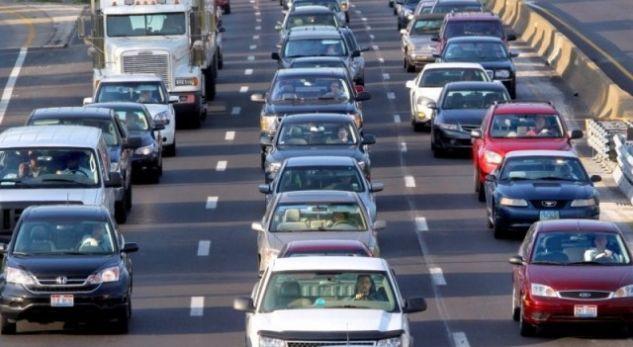 Rritja e taksës për makinat në Shqipëri, si ndryshojnë tarifat pas 1 janarit