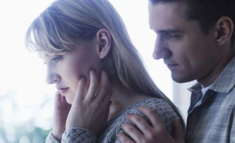 Tri shenjat e qarta që tregojnë se partneri po ju manipulon