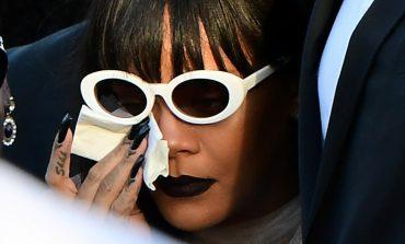 Rihanna i jep lamtumirën e fundit kushëririt të vrarë! Por shikoni make up e saj... (Foto)