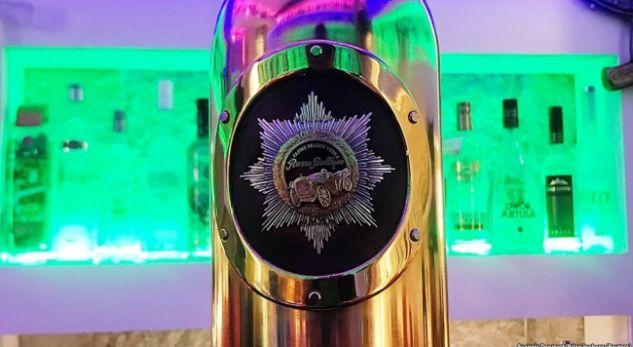 DANIMARKË/ Koleksionistit i vjedhin shishen e Vodkës ruse me një çmim marramendës