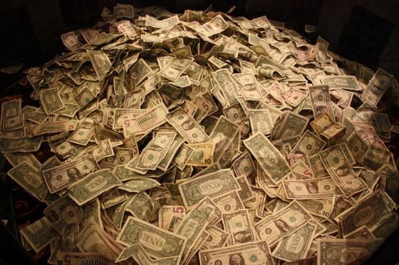 ENIGMA/ Historia e jashtëzakonshme e një supergrabitje. Të ngarkosh 1 miliard USD në kamion, me një copë letër!