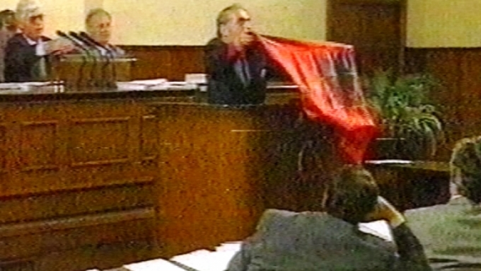 Ndëron jetë Sali Ramadani, deputeti i parë që ngriti flamurin shqiptar në Parlamentin e Maqedonisë