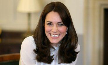 Thjeshtësia e Dukeshës Kate Middleton, 4 vjet me të njëjtën pallto (FOTO)