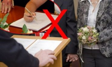 E rrallë/ Ai dhe ajo thanë po, zyrtari komunal refuzon ta martojë çiftin!