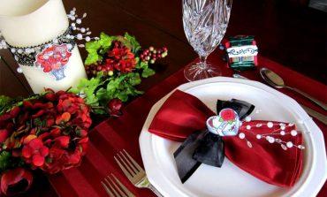 Si të rregulloni tryezën për mbrëmjen e Shën Valentinit