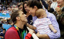 Jeta tjetër e Michael Phelps, legjenda e notit bëhet sërish baba