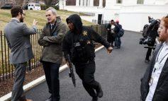 Aksident në Shtëpinë e Bardhë/ Makina përplaset me pengesën e sigurisë
