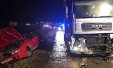 Trafik i rënduar në rrugën Tiranë-Elbasan/ Shkak përplasja e një makine me një kamion