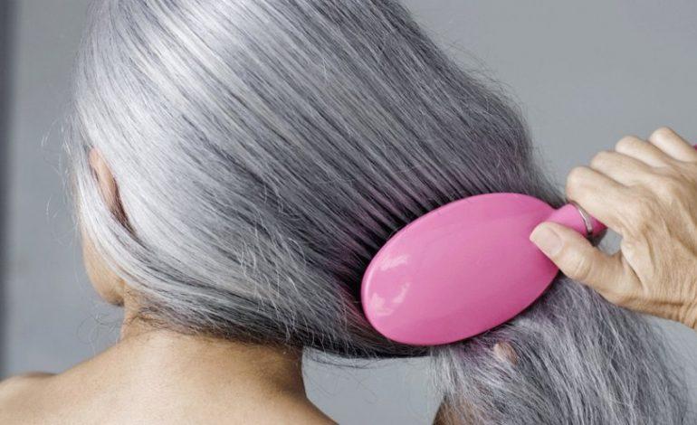 Harroni thinjat e flokëve me maskën me një përbërës