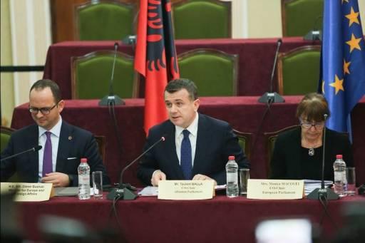 Mbledhja e Komitetit të Stabilizim–Asociimit/ Balla paralajmëron: HETIME për politikanët në nivele të larta