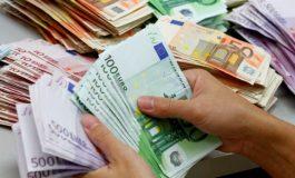 Ç'po ndodh me euron? Rënie e fortë, por ekspertët ngrenë supet për arsyet