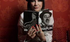 Flet këngëtarja shqiptare: Me bashkëshortin jam zënë keq sepse...