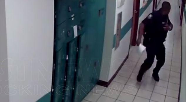 Polici ikën nga miu! Do të përloteni duke qeshur... (VIDEO)