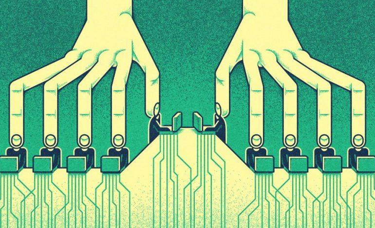 Interneti i përkiste popullit, por korporatat gjigante ia vodhën. Ja si të merret prapë (ANALIZA)