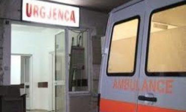 E RËNDË/ I mituri nga Tirana dërgohet me urgjencë në spital, u gjet në banesë i dehur