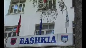 Përçahet Këshilli Bashkiak i Gjirokastrës/ Dy anëtarë të LSI dhe një i PDIU i bashkohen PS