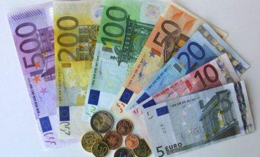 Pritej ndryshim, por euro shënon prapë rënie. Ja me sa u këmbye sot