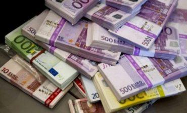 Euro bën kthesën e madhe, fillon rritjen