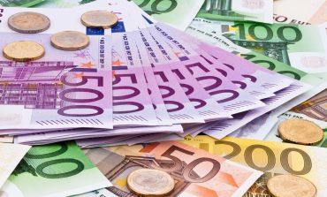 Rikuperon euro në tregun vendas/ E nis javën pranë 131 lekë