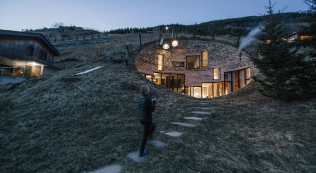 Kjo është shtëpia më e çuditshme në botë (FOTO)