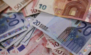 BSH: Rënia e euros ka shtuar rreziqet për bankat, i ka ulur për individët që kanë hua në euro