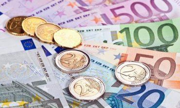 Euro nuk ndal rënien! Zbret nën 127 lekë... (FOTO)