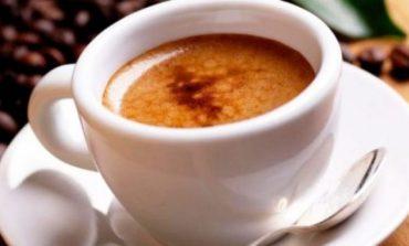 A e dini sa para harxhoni vetëm për kafe në vit? Mësojeni tani