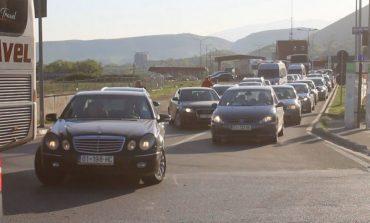 PUNIME TË PAPËRFUNDURA/ Radhë kilometrike në Morinë
