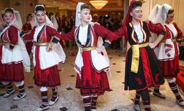 ALEKSANDER NOVIK/ Sakrificat e  shqiptarëve të Ukrainës për të ruajtur vetëdijen etnike
