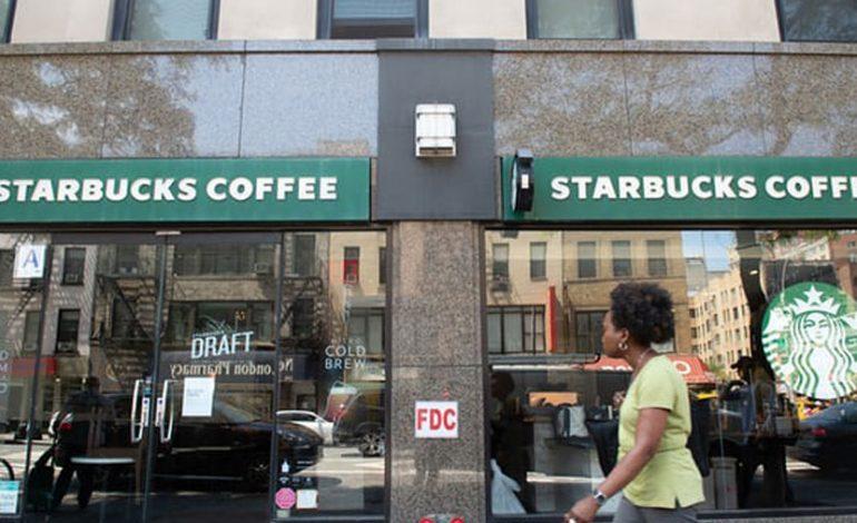 Sjelljet raciste të punonjësve/ Starbucks mbyll 8 mijë dyqane