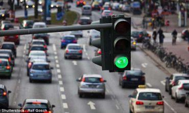 Anglia me teknologjinë më të fundit të semaforëve. Komunikojnë me shoferët (FOTO)