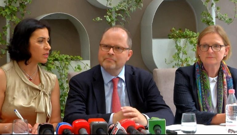 Integrimi në BE/ Zyrtari gjerman mesazh Shqipërisë: Luftoni korrupsionin dhe përshpejtoni Vettingun